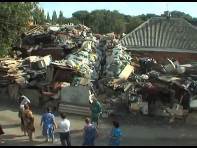 Коллекционер мусора превратил свой дом в свалку