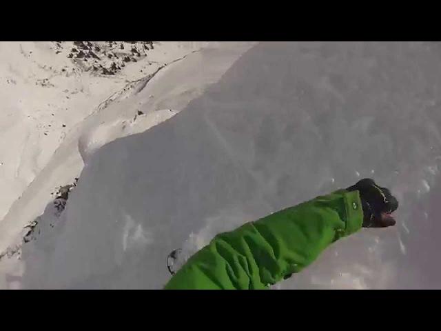 Падение на сноуборде с обрыва150м! в Австрии!