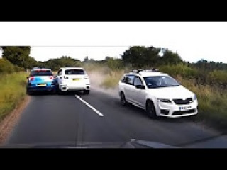 Ultimate Retardet Drivers Fails, Extreme Driving Fails And Sounds March 2017 5