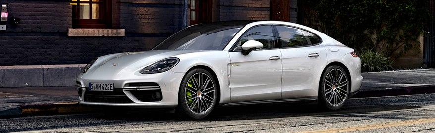 Тест-драйв и обзор Porsche Panamera Turbo S E-Hybrid