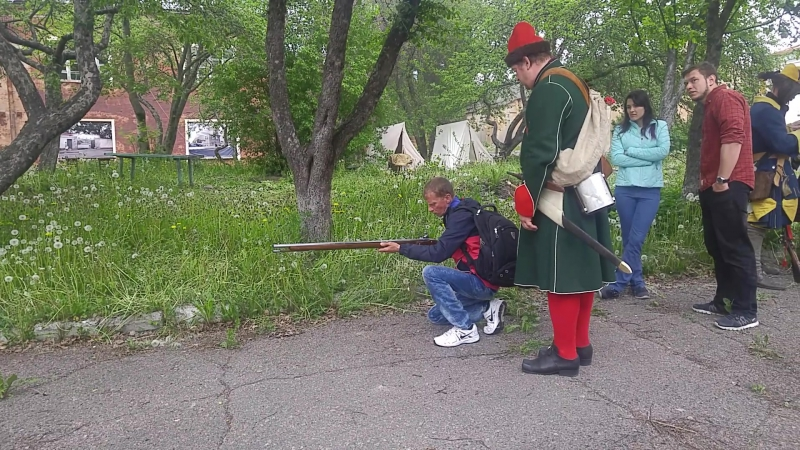 Пристрелка мушкета образца 18 века, бывшего на вооружении Преображенского полка Петра Великого