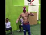 Когда человек паук всетаки попал домой)))))