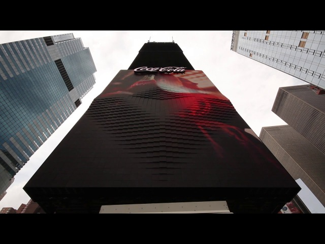 First 3D robotic billboard in Times Square