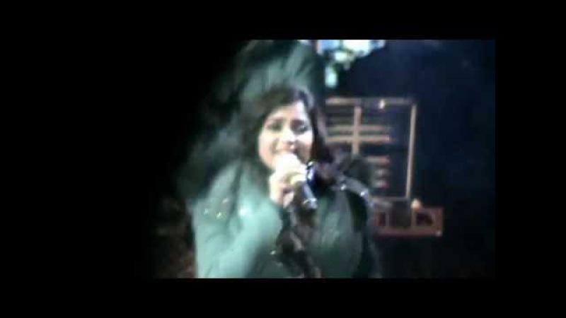 Shreya Ghoshal Live in Ladakh singing Bollywood Hit 'Bahaara'