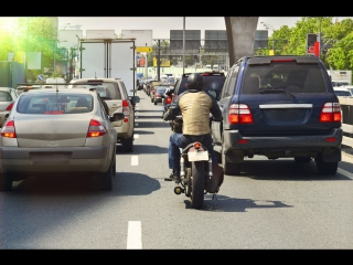 Почему мотоциклисты ездят в междурядье
