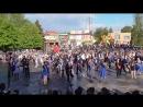 Вальс на площади Конаково школа №7 последний звонок 25.05.2017