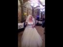 Зажигаем все, невеста прекрасно поет для жениха, а мы отрываемся от земли от флюидов тамдешней ЛЮБВИ