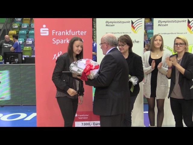 Tanja Pawollek wird als Eliteschülerin des Jahres geehrt