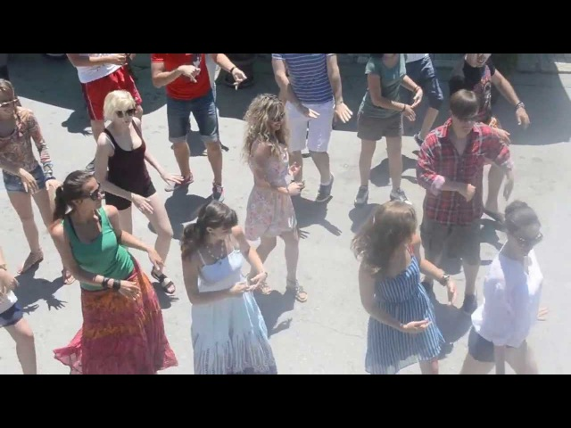 Mueve la colita - Street dance in Ohrid (Republic of Macedonia)