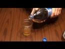 Лайфхак на выходные: Как правильно наливать колу, чтобы она не пенилась