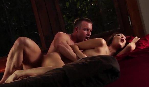 Красивый медленный секс со шлюшкой в игривом белье