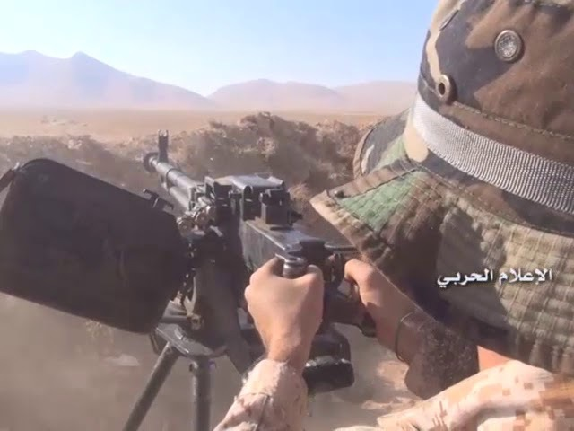 Watch the Syrian army and Mujahideen resistance enter the Zomrani crossing in Western Kalmoun