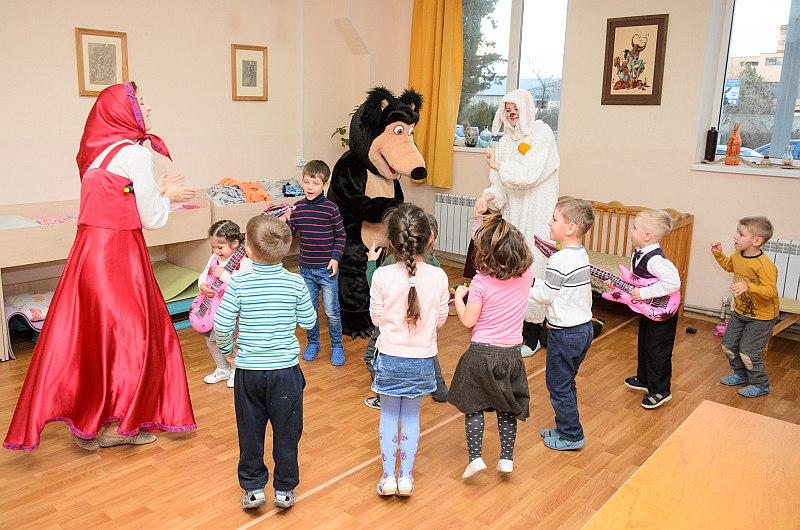 Медведь на детский праздник