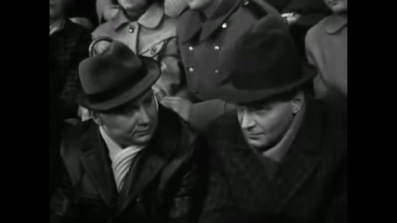 Фрагмент фильма «Семнадцать мгновений весны» - Штирлиц: «Столько развелось идиотов, говорящих правильные слова»