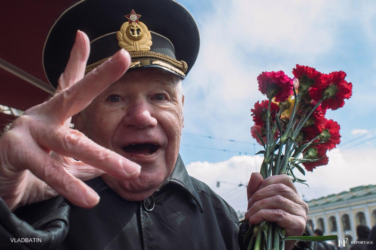 #9мая #парад #деньпобеды #санктпетербург #невскийпроспект #ветераны #ордена #медали