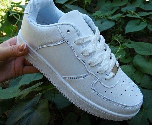 продам кросівки Nike Air Force новенькі37 розмірціна 500