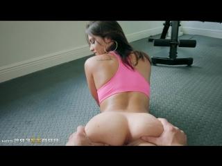 Фитоняшку трахнули в зале fitgirl was fucked in gym