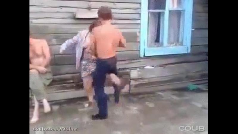 ...Брачные танцы..... в деревне Кукуево....... =))