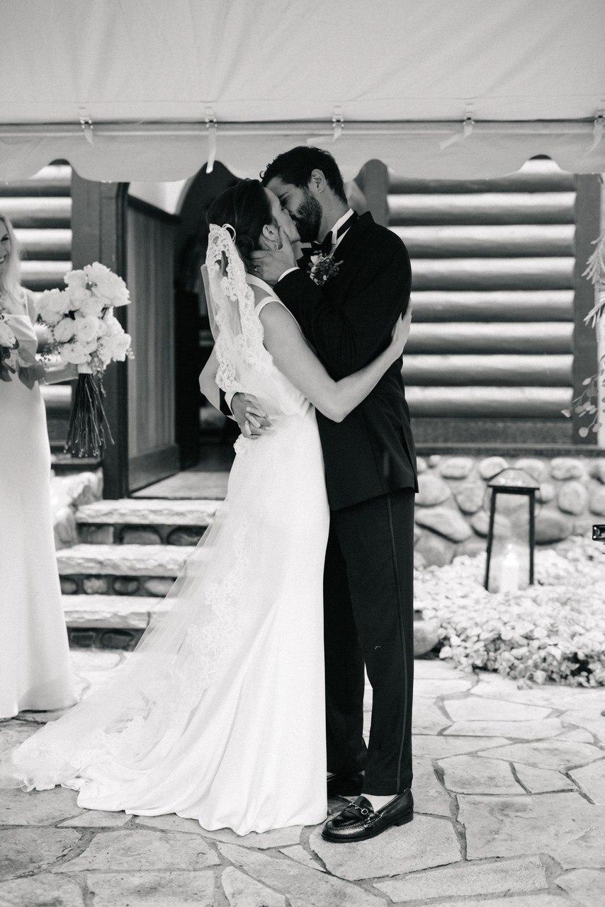 xziGWPe2ZHE - Свадьба Джозефа и Хлои