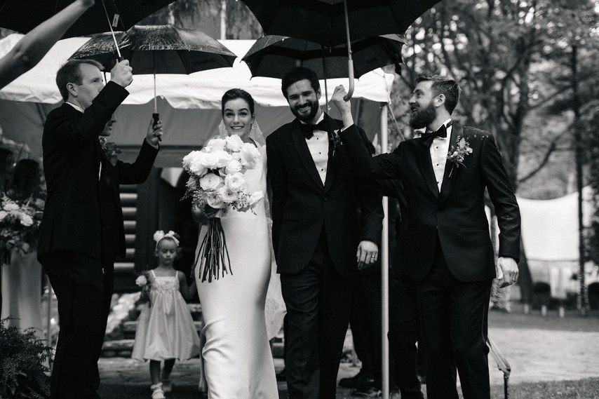 Организация свадьбы Джозефа и Хлои по совету друга и ведущего. Организация торжеств в Волгограде. Помощь в подборе ведущего на свадьбу, помощи в выборе тамады на юбилей и помощь в написании сценария свадьбы. Заказать услуги ведущего по тел: +7(937)-727-25-75 и +7(937)-555-20-20