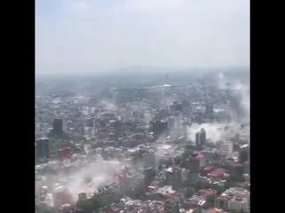 Первые минуты после землетрясения в Мехико (Мексика, 19.09.2017)