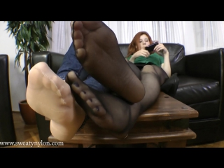 Goddess Victoria Girl pantyhose sexy feet Foot worship Foot fetish Фут-фетиш