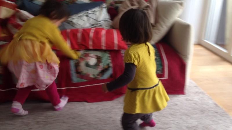 Mila nora beide gelb