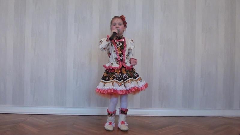 Мочаева София -Йошкар-Ола- В роще пел соловушка (эстрадный вокал, соло, да 7 лет)