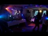 Разрываем Кириши =) на микрофоне - певец Олег, ресторан