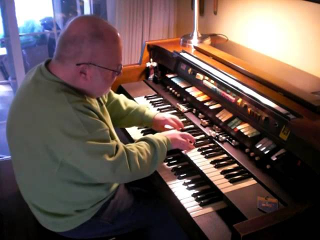 Mike Reed plays House of the Rising Sun on the Hammond Organ