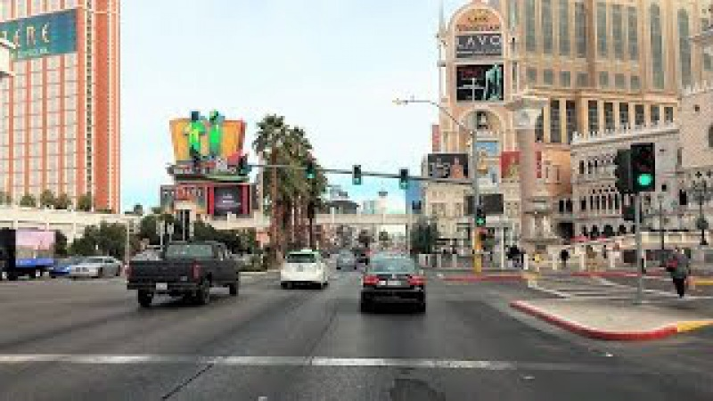 Driving Downtown - Las Vegas 4K - USA