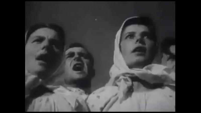 Первая эротическая сцена в советском кино – танец голой невесты мертвеца Кадры из фильма Александра Довженко «Земля», 1930 год.