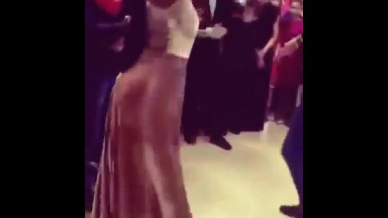 Тамила Эльдарханова Танцует Лезгинку