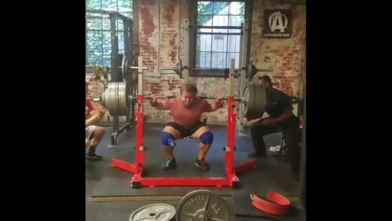 Джо Салливан - присед 357 кг на 3
