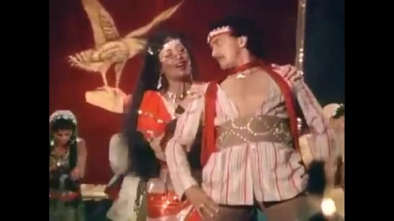 Как три мушкетера - Митхун Чакраборти и Зинат Аман