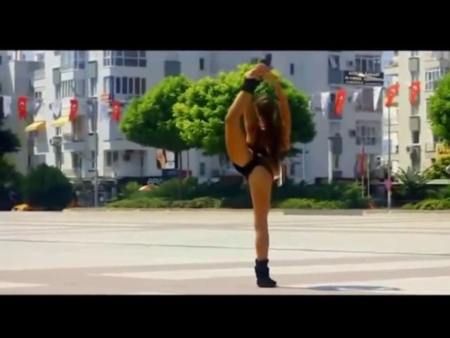 Что гимнастки вытворяют на улице города