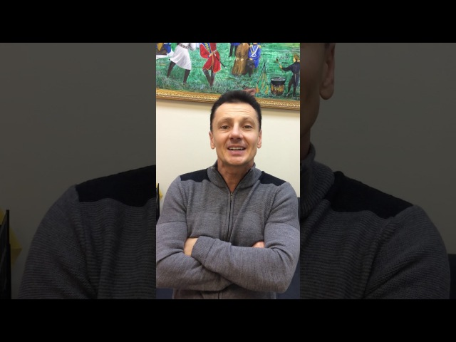 Ведущий из шоу Уральские пельмени Максим Ярица поздравляет пациентов клиники Наран с наступающим Новым Годом.