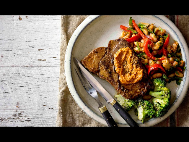 How to cook char grilled African-style steaks with pineapple marinade