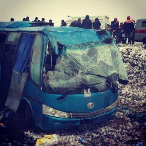 ВСаратовской области опрокинулся автобус сузбеками