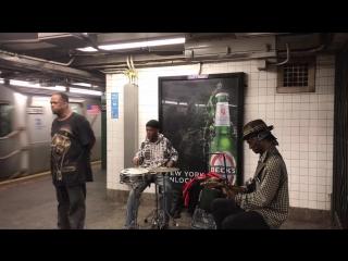 Талантливый мужчина из метро фантастически исполнил «A Change Is Gonna Come»