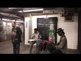 Талантливый мужчина из метро фантастически исполнил A Change Is Gonna Come