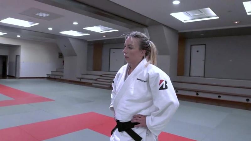 Клип о Шарлин Ван Сник