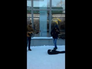 Carlos Gardel - Por una cabeza street improvisation cover