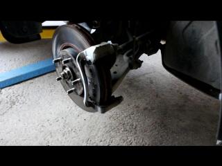 KIA Sportage (Киа Спортейдж) замена передних тормозных колодок