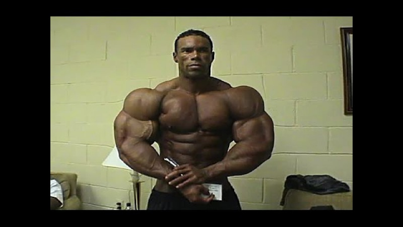 Kevin Levrone Old School Bodybuilding - Training and Posing