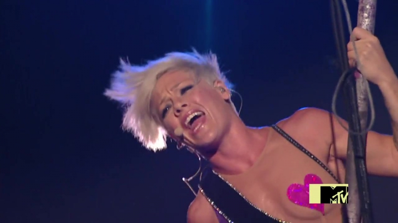 P!nk - Sober (MTV Video Music Awards 2009)