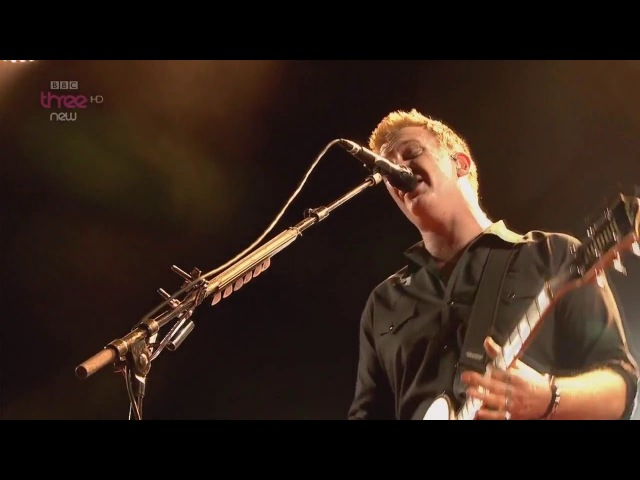 Queens of the Stone Age - Burn the Witch - Live Reading Festival 2014