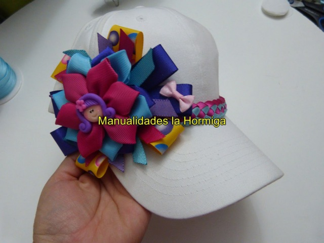 DIY como decorar gorras con moños y flores en cintas facilment. No. 331 Manualidadeslahormiga