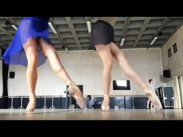 Up Dancing underfoot. - Видео Dailymotion