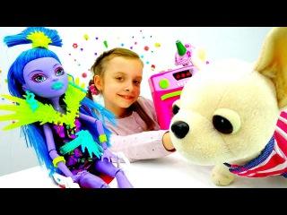 Видео куклы. МОНСТЕР ХАЙ Джейн - заболела! Игры доктор с Собачкой ЧиЧиЛав. Видео игрушки для девочек